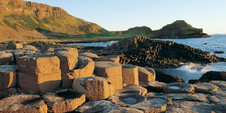 giants_causeway_new_2x1-748x374